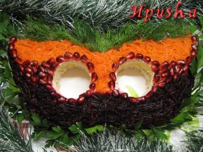 салат новогодняя маска мясной салат к праздничному столу на новый год 2010 год тигра новогодние рецепты новогоднее меню